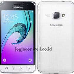 Samsung-Galaxy-J1-2016 white